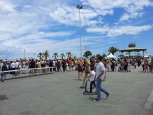 paella para 2000 asistentes... colas interminables.