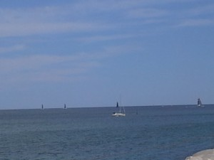 mar movidito... flota atacando la salida